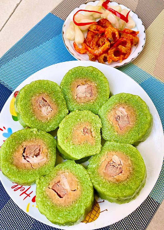 My nhan Viet goi banh chung don Tet Nguyen Dan 2021-Hinh-12