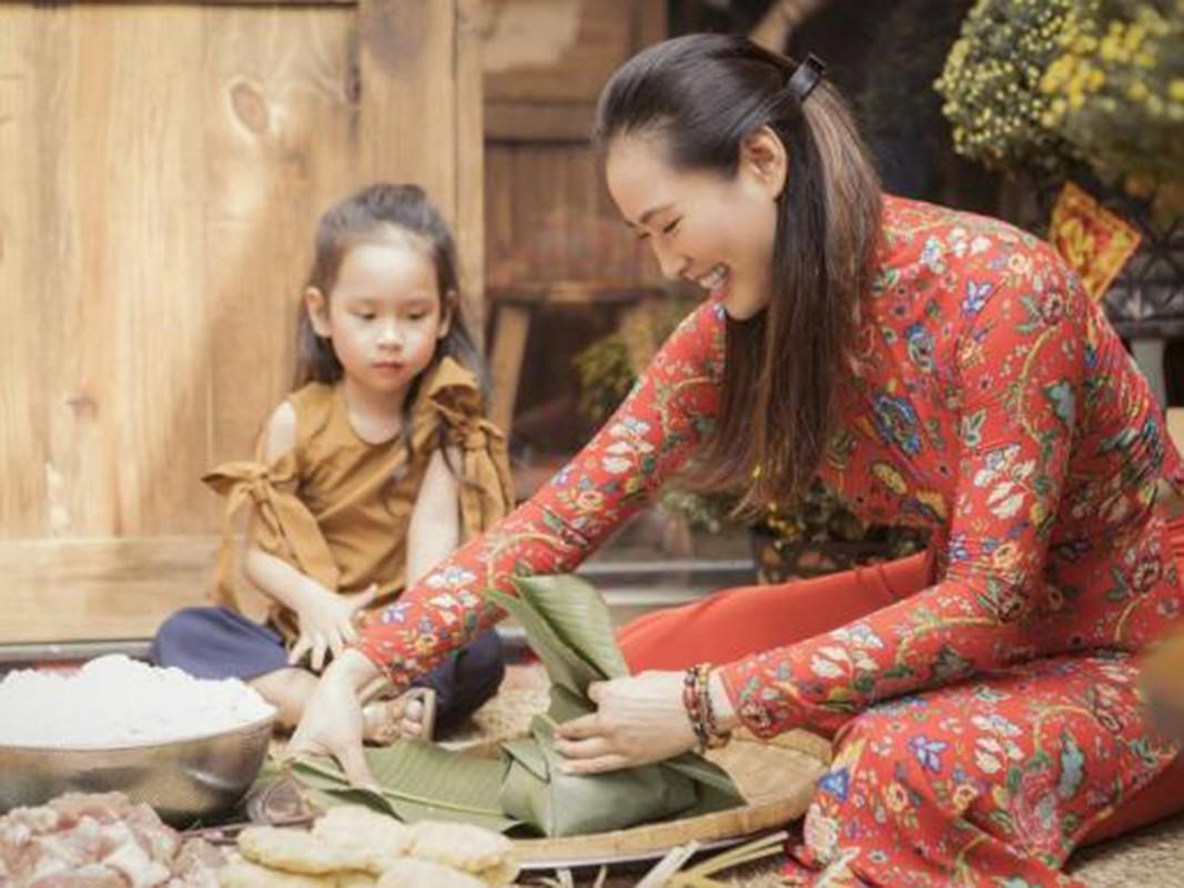 My nhan Viet goi banh chung don Tet Nguyen Dan 2021-Hinh-14