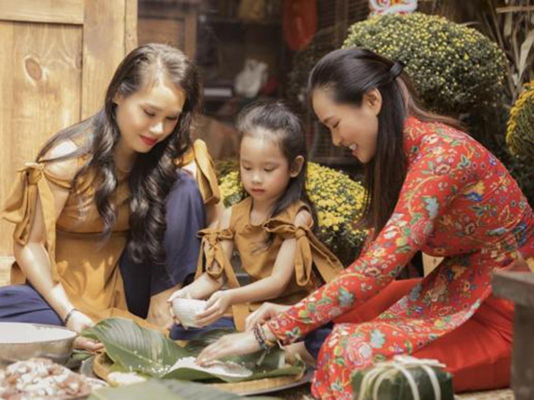 My nhan Viet goi banh chung don Tet Nguyen Dan 2021-Hinh-15