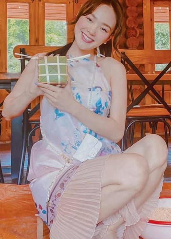 My nhan Viet goi banh chung don Tet Nguyen Dan 2021-Hinh-4
