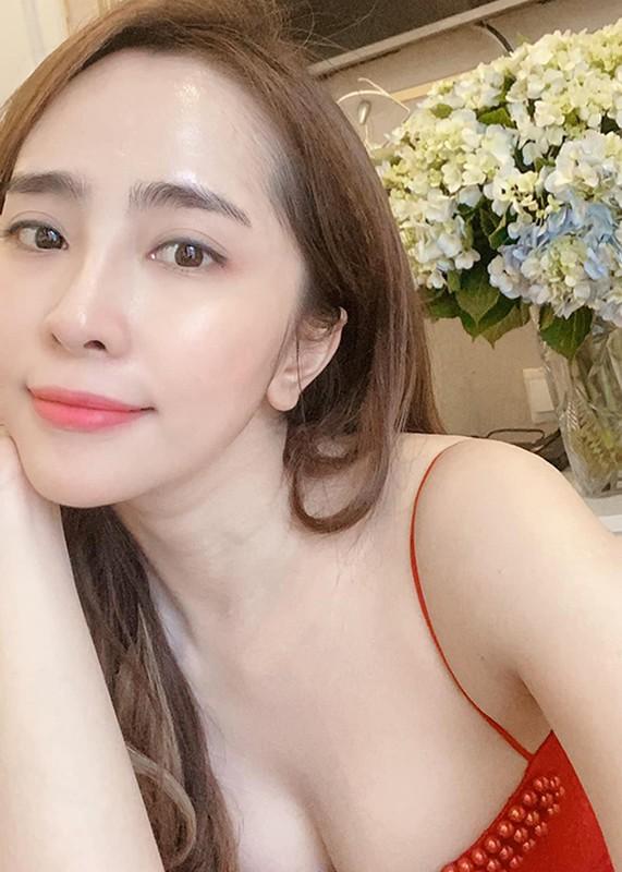 """Ve goi cam cua """"ca sau chua"""" Quynh Nga sau 2 nam nang nguc-Hinh-3"""