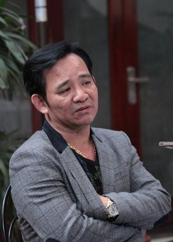 Bi hai chuyen sao Viet chay show ngay Tet-Hinh-11