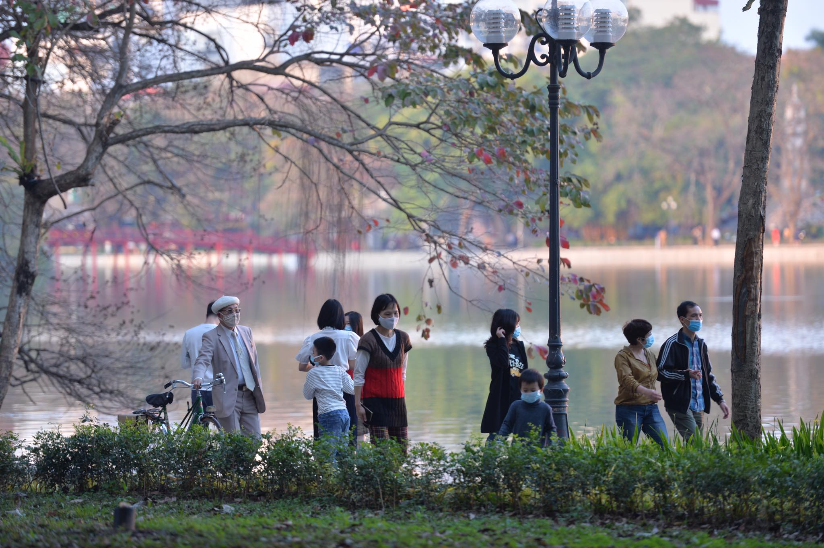 Tet Tan Suu 2021: Khong khi chieu mung 1 tai Ha Noi-Hinh-4