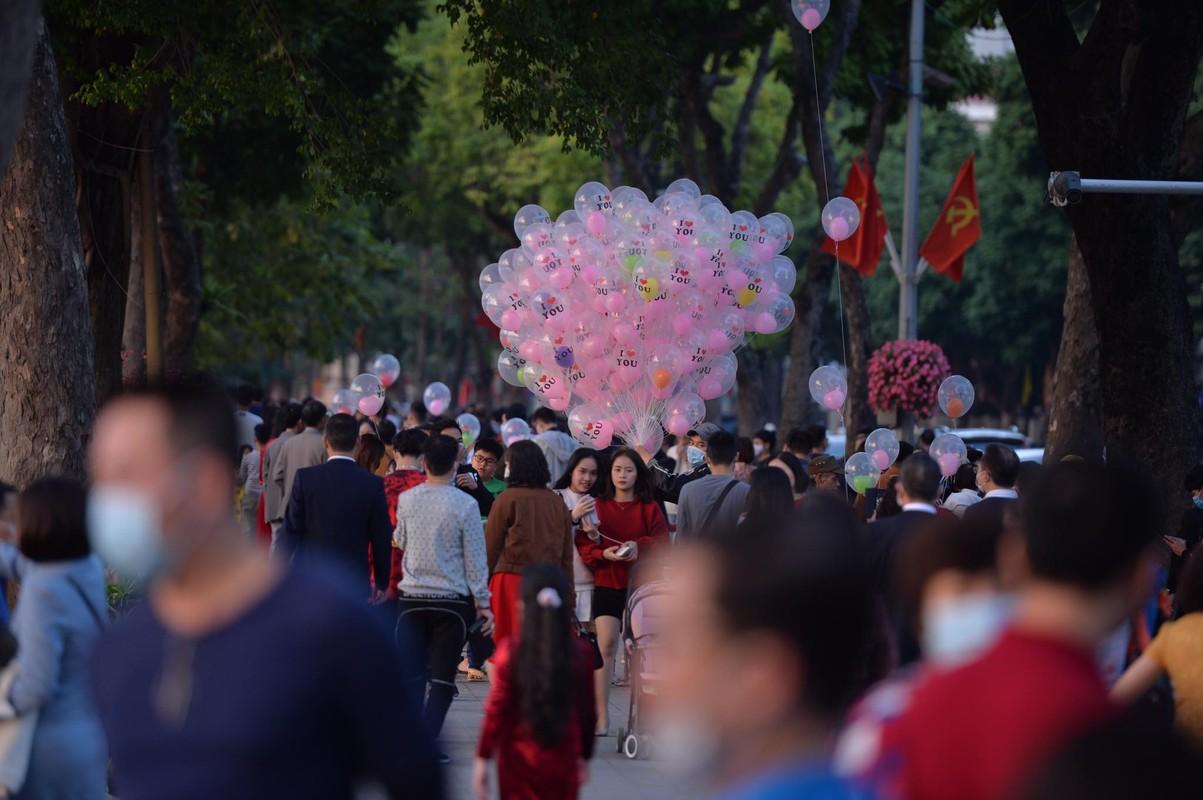 Tet Tan Suu 2021: Khong khi chieu mung 1 tai Ha Noi