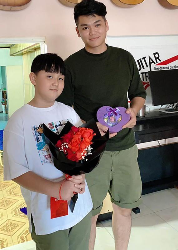 Ve phong phao cua con trai va con gai Quach Ngoc Ngoan-Hinh-10
