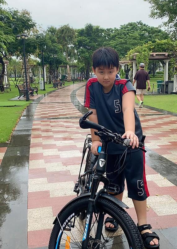 Ve phong phao cua con trai va con gai Quach Ngoc Ngoan-Hinh-8