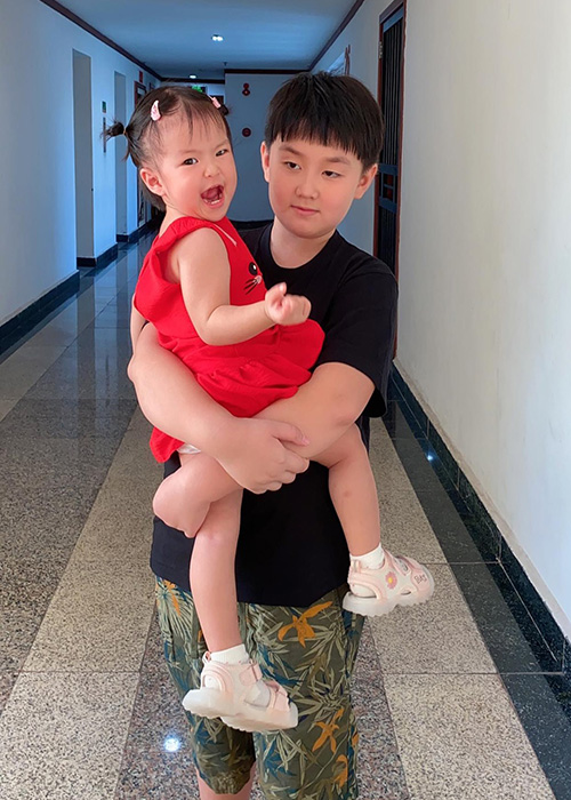 Ve phong phao cua con trai va con gai Quach Ngoc Ngoan-Hinh-9