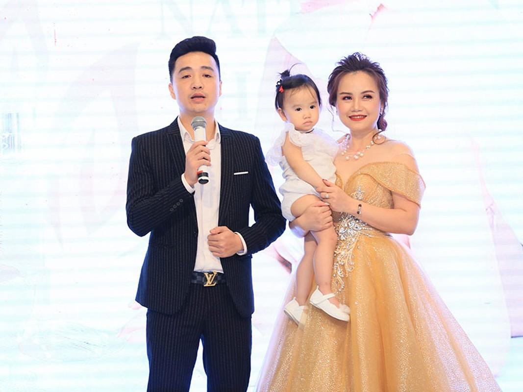 Hoang Yen cham khoe vong mot goi cam hau ly hon lan 4-Hinh-12