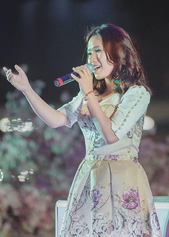 "Soi su nghiep cua Thuy Chi truoc on ao ""ke fame"" Son Tung M-TP-Hinh-6"