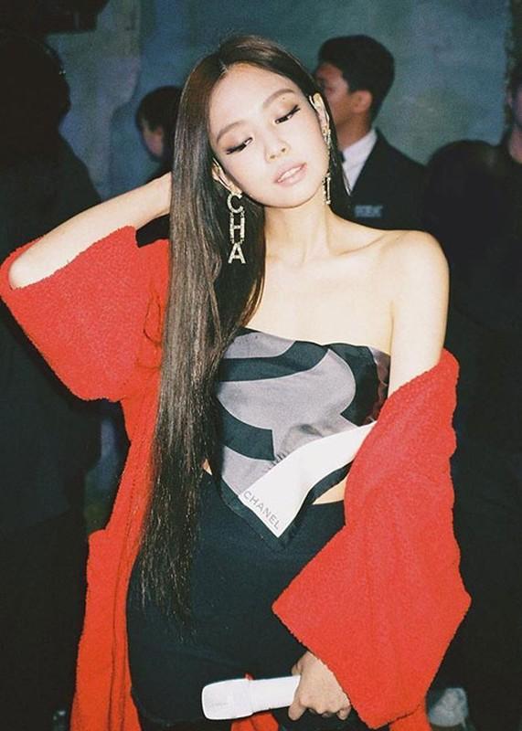 """Duong cong quyen ru gay me cua Jennie khien G-Dragon """"do guc""""-Hinh-12"""