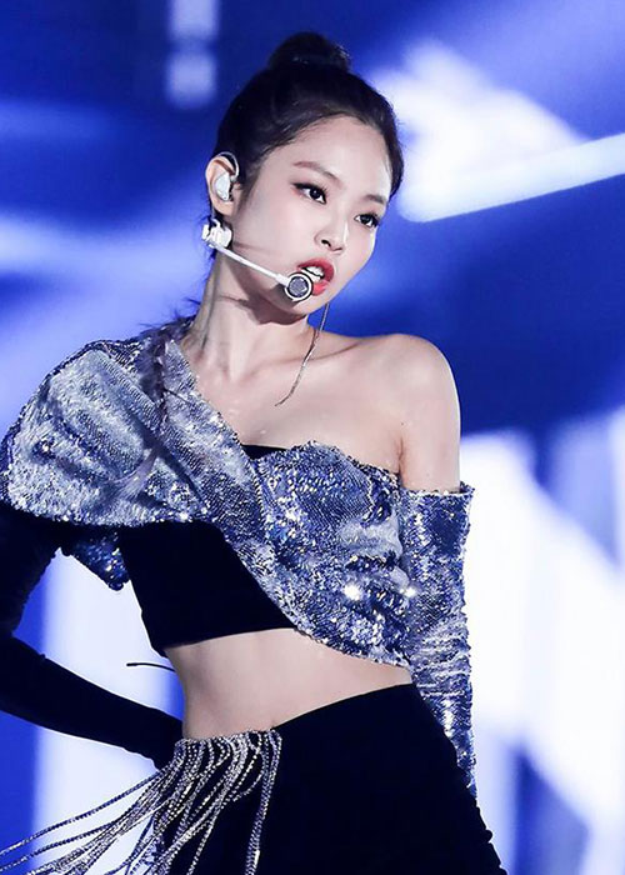 """Duong cong quyen ru gay me cua Jennie khien G-Dragon """"do guc""""-Hinh-2"""