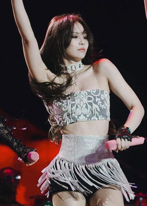 """Duong cong quyen ru gay me cua Jennie khien G-Dragon """"do guc""""-Hinh-6"""