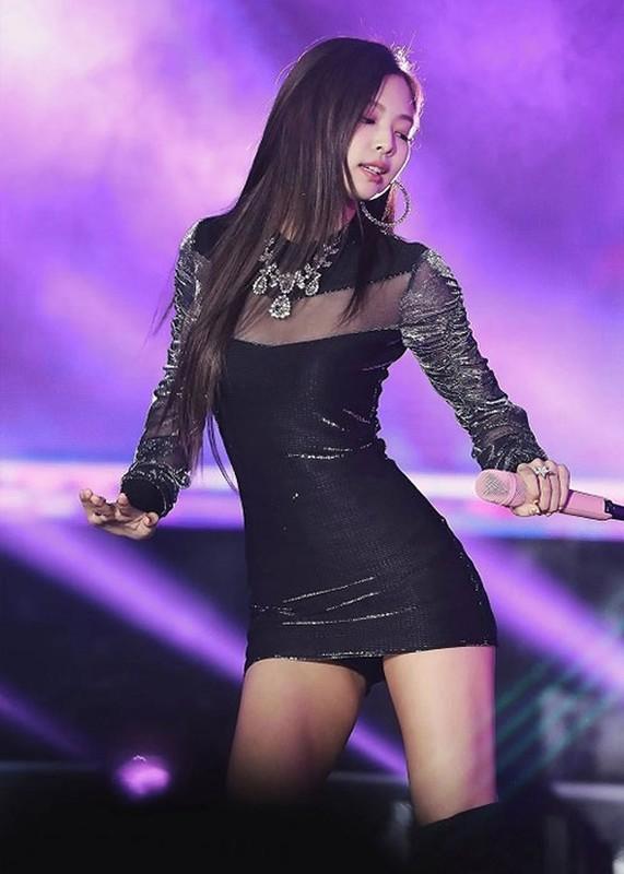 """Duong cong quyen ru gay me cua Jennie khien G-Dragon """"do guc""""-Hinh-7"""
