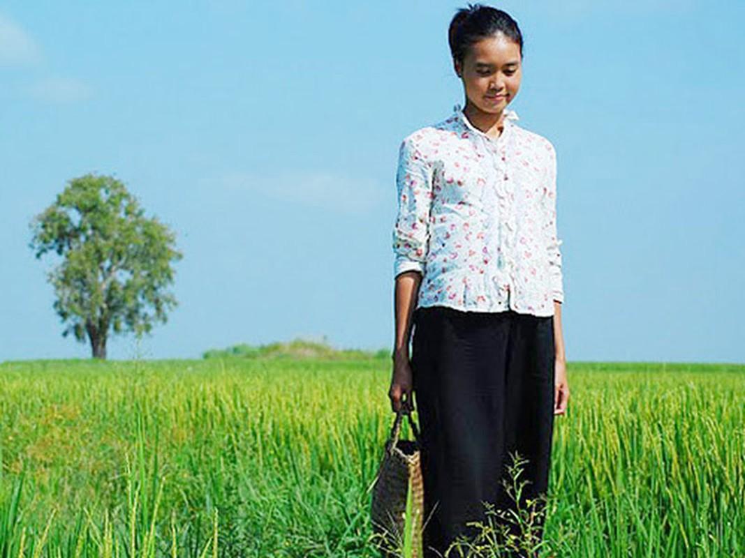 Truoc vu clip nong, Lan Ngoc vuong loat tin don tai bay va gio-Hinh-3