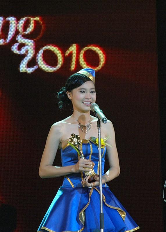 Truoc vu clip nong, Lan Ngoc vuong loat tin don tai bay va gio-Hinh-4
