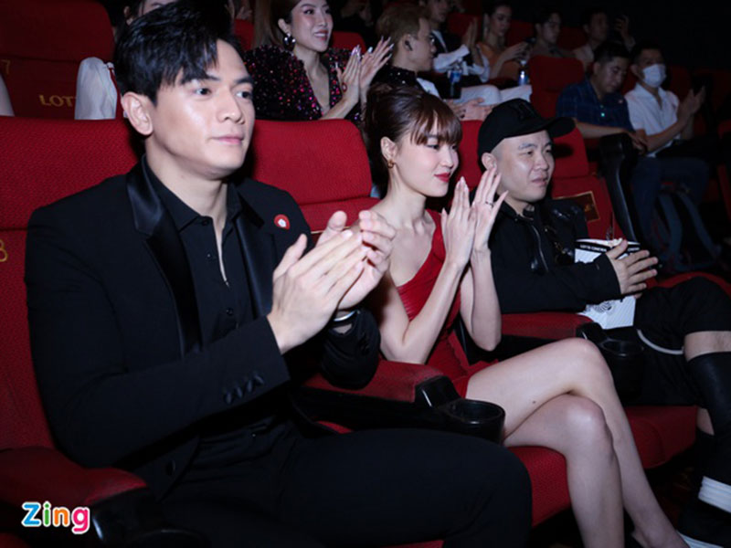 Ninh Duong Lan Ngoc goi cam xuat hien sau on ao-Hinh-9