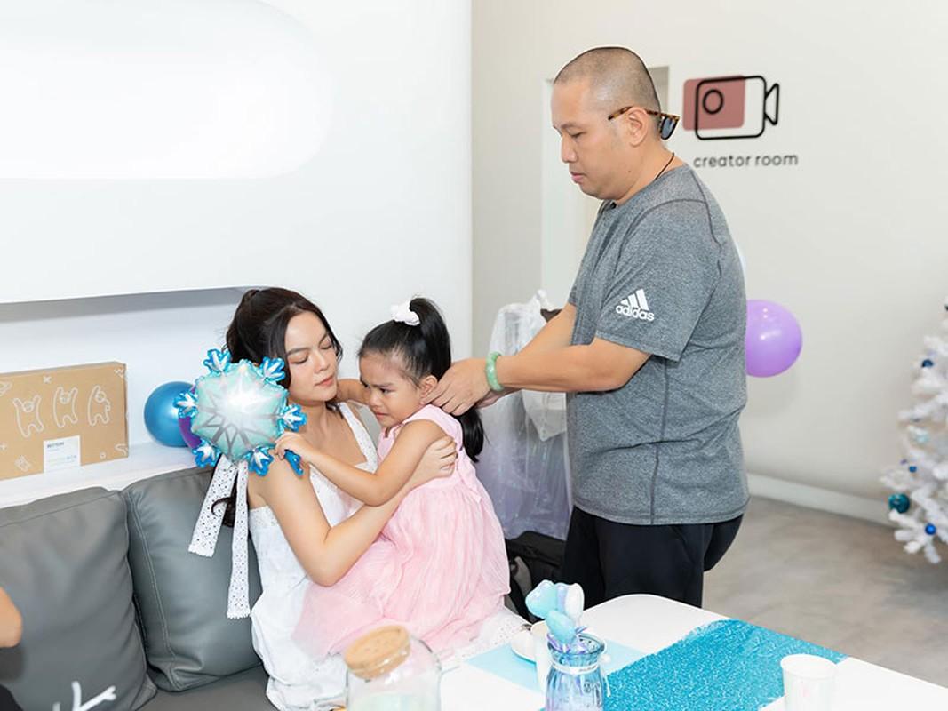 Pham Quynh Anh hoi ngo chong cu mung sinh nhat con gai ut-Hinh-2