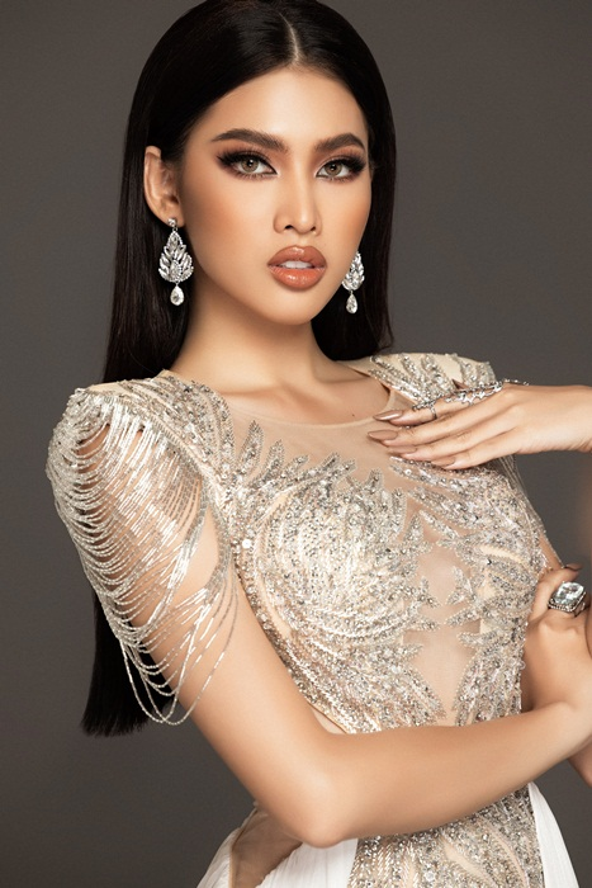 Soi trang phuc cua A hau Ngoc Thao thi ban ket Miss Grand International-Hinh-4