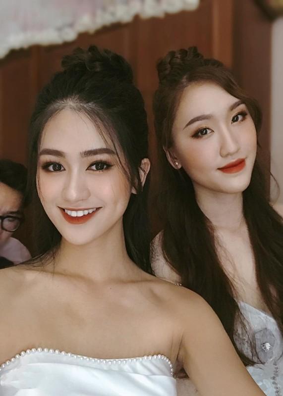 Nhan sac Top 5 Hoa hau The gioi Viet Nam lam MC VTV-Hinh-8