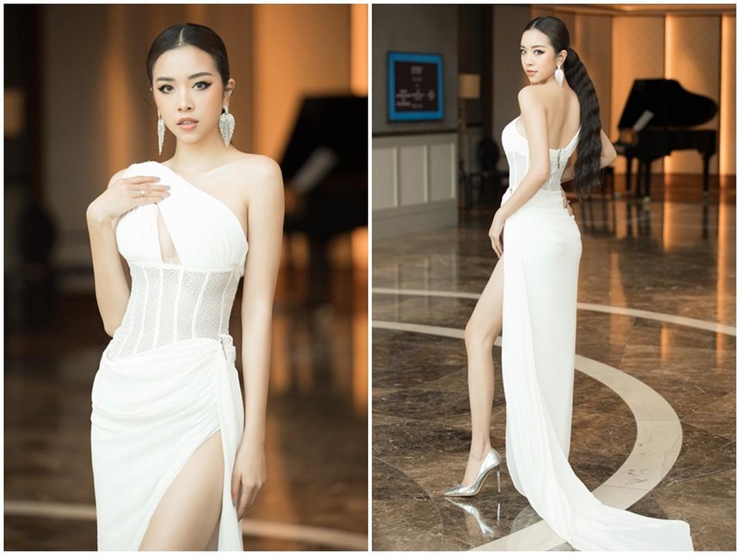 Luong Thuy Linh, Do Thi Ha, Tieu Vy do sac tai su kien-Hinh-5