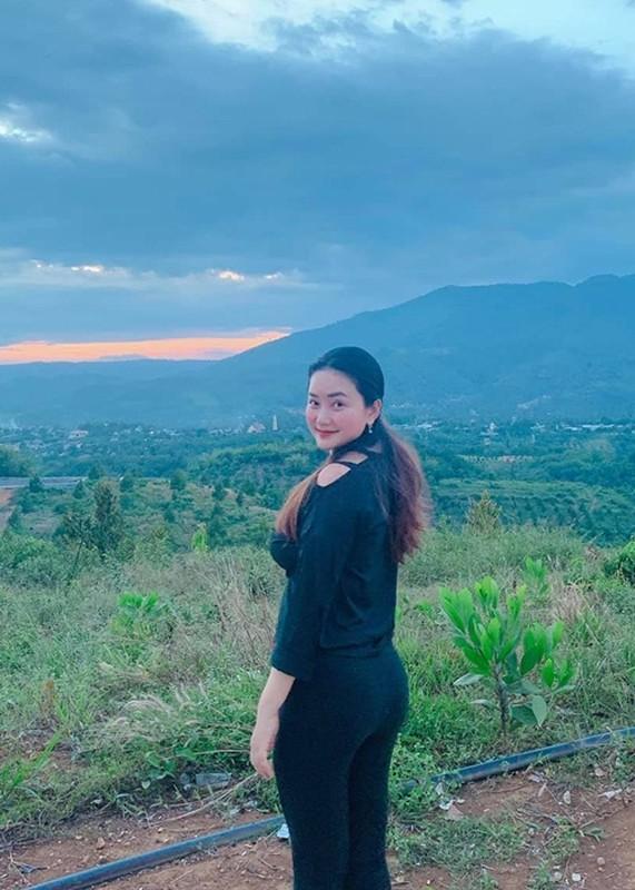 Phan Nhu Thao duoc chong dai gia tang gan 5.000 m2 dat