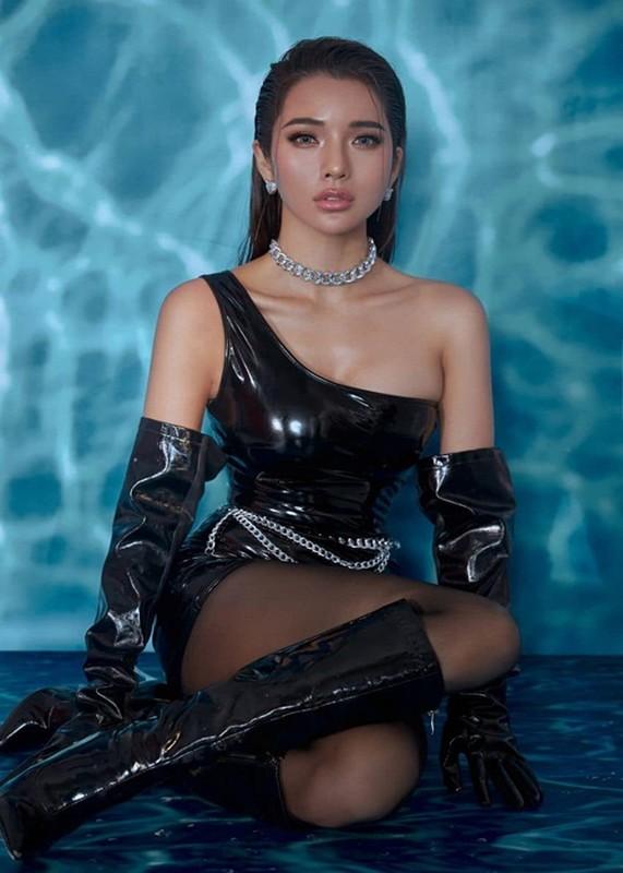 Duong cong goi cam cua vo Ung Hoang Phuc sau 3 lan sinh no-Hinh-4