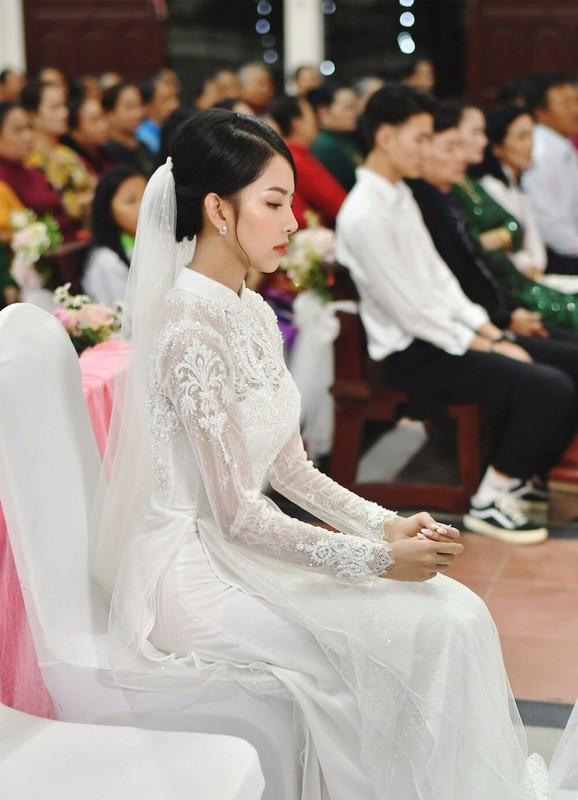 'Soi' ao cuoi vo Phan Manh Quynh dinh thu cong 8.000 vien da swarovski-Hinh-2