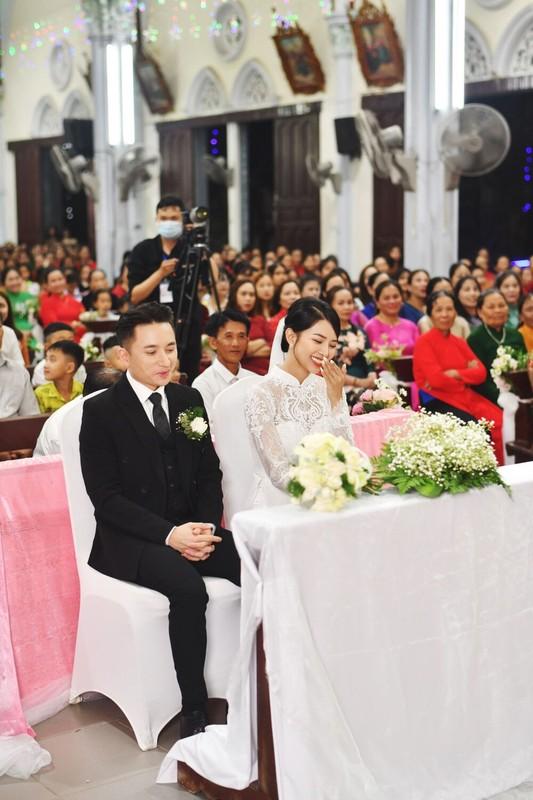'Soi' ao cuoi vo Phan Manh Quynh dinh thu cong 8.000 vien da swarovski-Hinh-4