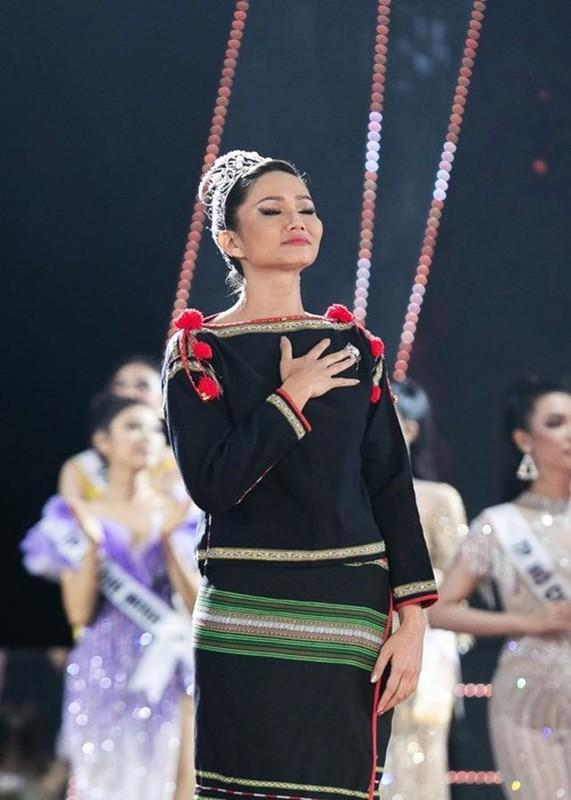 Cuoc song cua H'hen Nie thay doi the nao sau khi roi Miss Universe?-Hinh-6