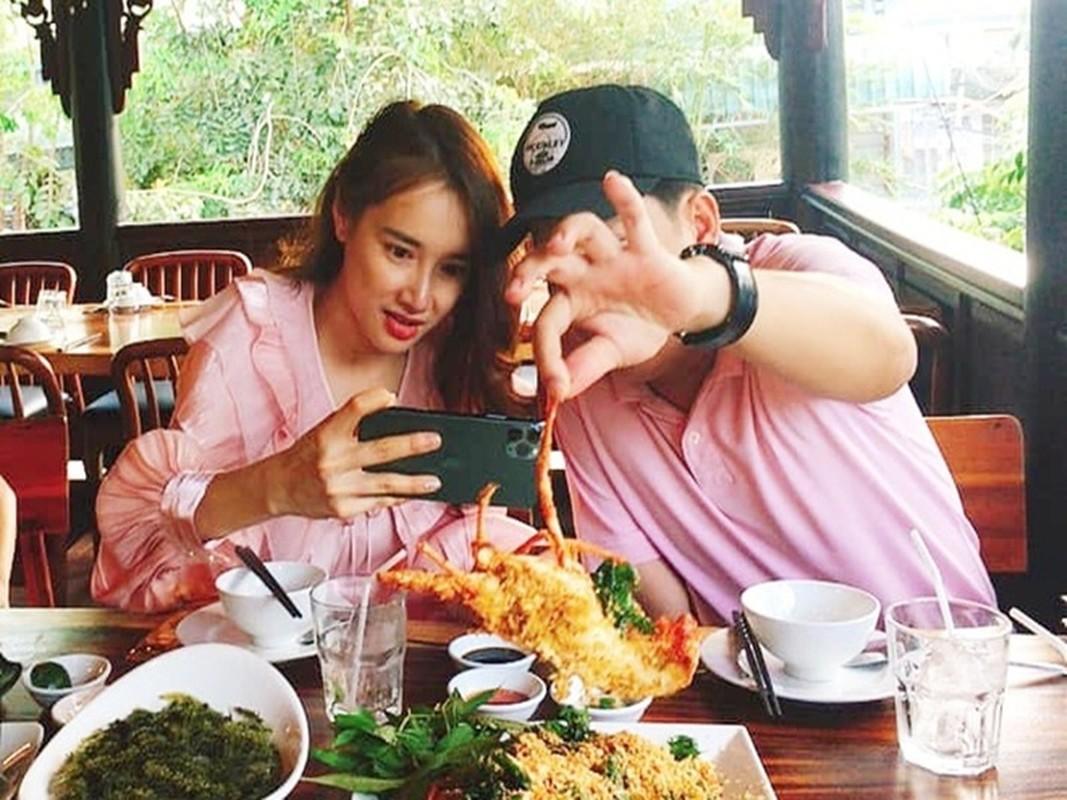 Phan ung cua Nha Phuong moi khi vuong on ao-Hinh-3