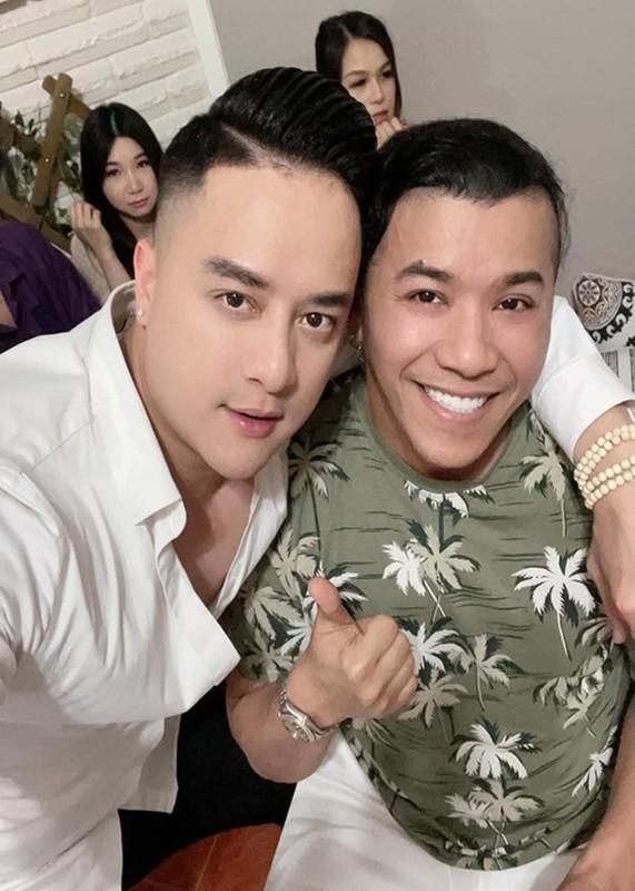 Soi cuoc song cua Cao Thai Son giua on ao voi Nathan Lee-Hinh-6