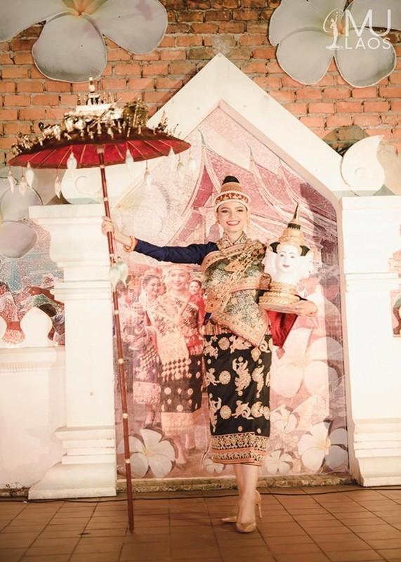 Soi quoc phuc thi Miss Universe cua Khanh Van va hai doi thu-Hinh-7