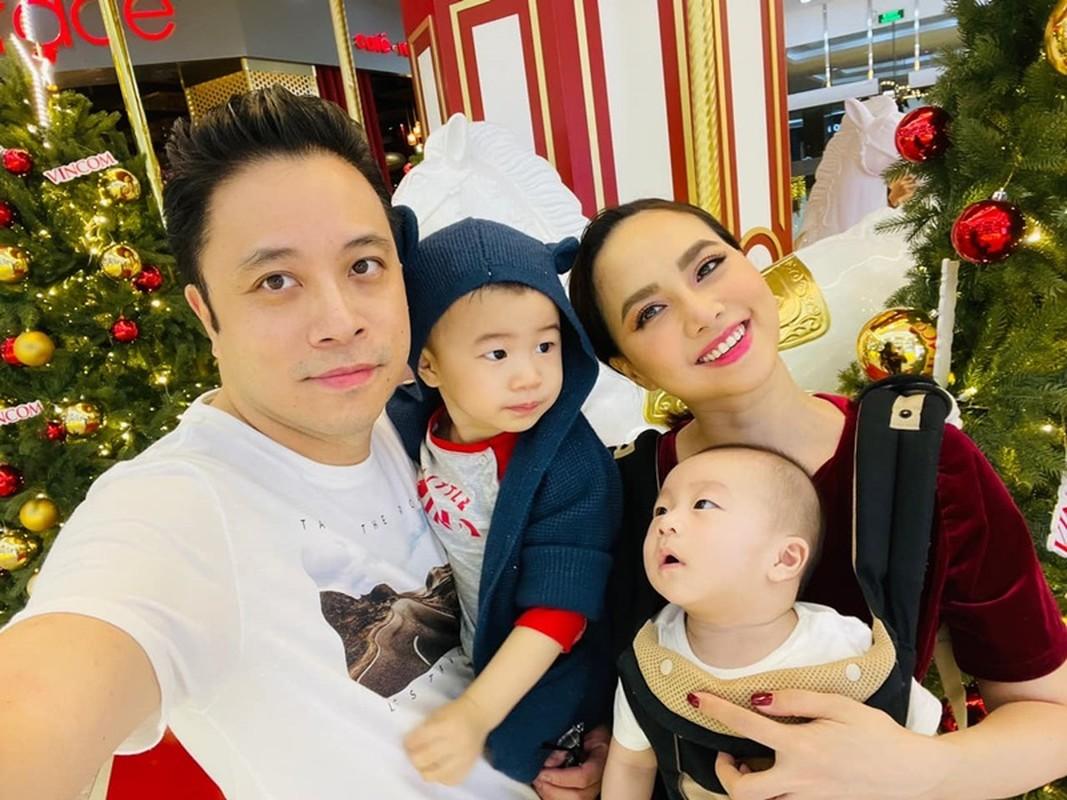 """To am hanh phuc cua dao dien phim """"Thien than ho menh"""" Victor Vu-Hinh-9"""