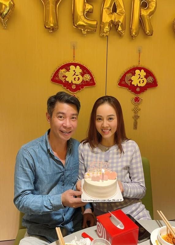 Soi cuoc song cua Cong Ly sau 5 thang cuoi vo kem 15 tuoi-Hinh-2