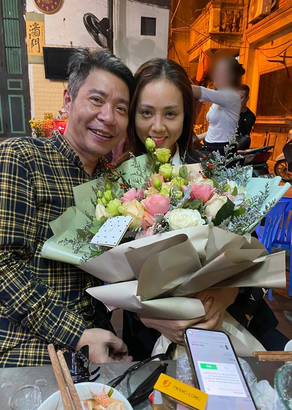 Soi cuoc song cua Cong Ly sau 5 thang cuoi vo kem 15 tuoi-Hinh-3