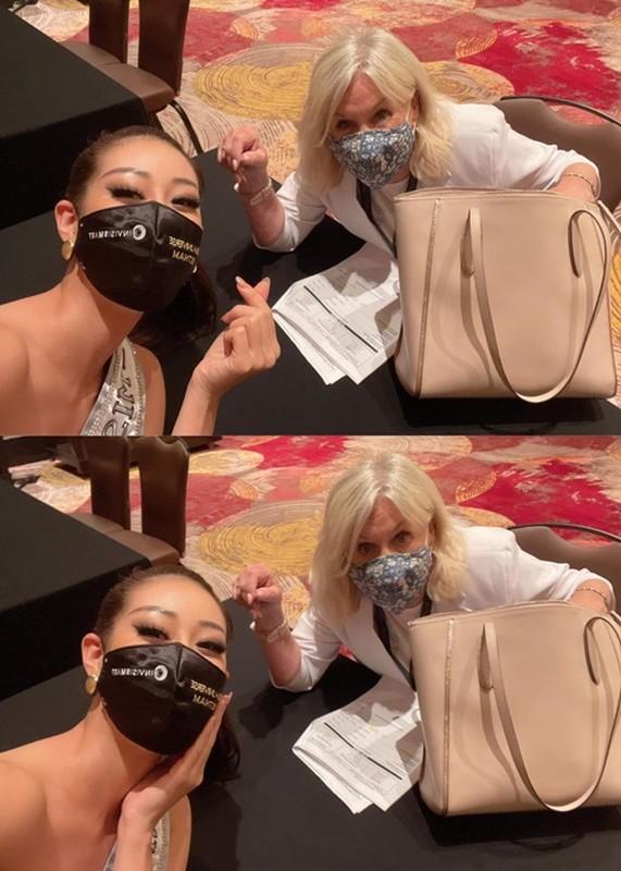 Hanh dong ghi diem cua Khanh Van voi ban cung phong o Miss Universe-Hinh-5