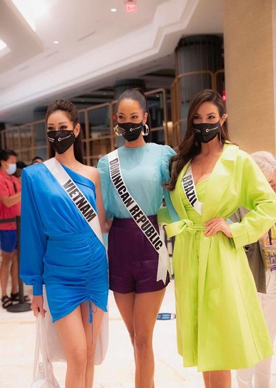 Khanh Van khoe ve ngot ngao goi cam o Miss Universe 2020-Hinh-7