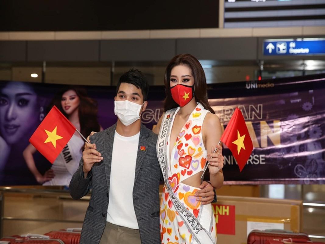 CEO dong hanh cung Khanh Van o Miss Universe 2020 la ai?-Hinh-4