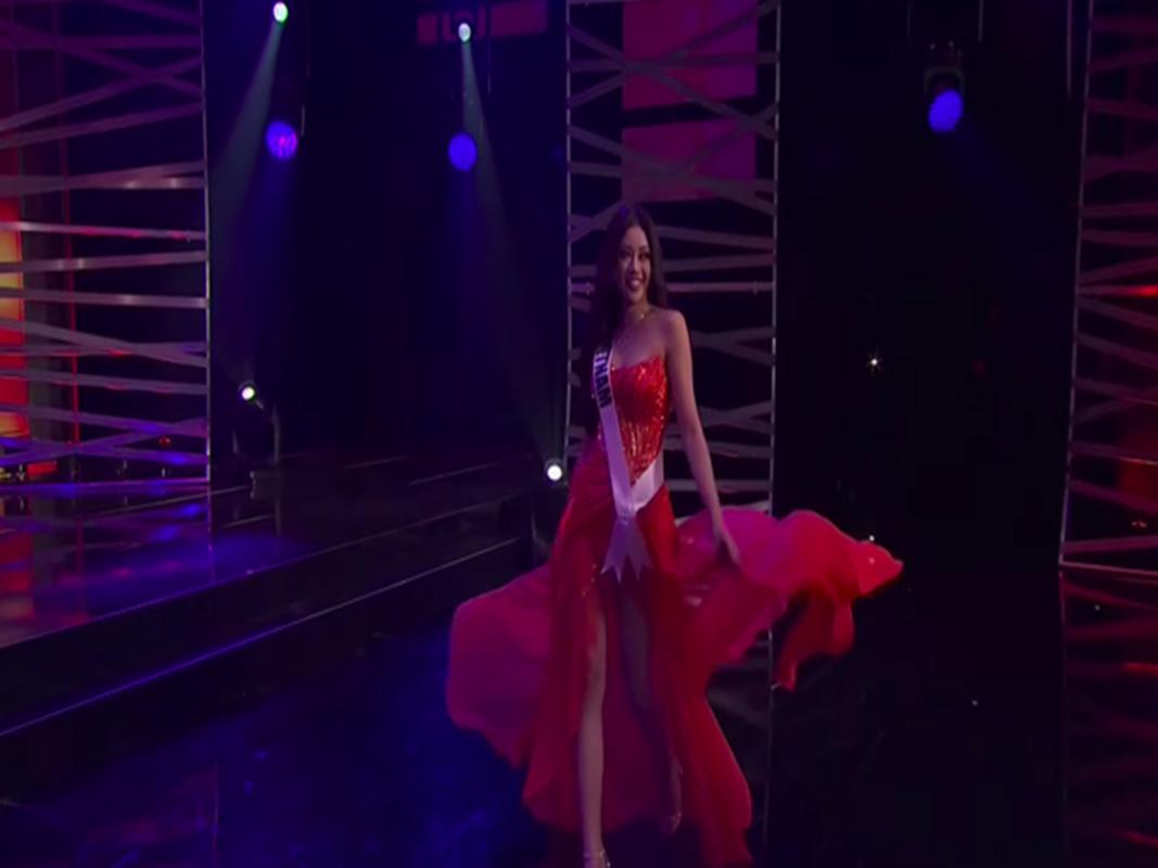 Khanh Van goi cam voi bikini o ban ket Miss Universe 2020-Hinh-8