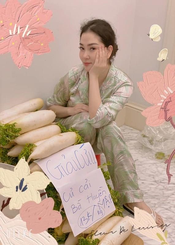 Cuoc song binh yen cua Hoa hau Nguyen Thi Huyen o tuoi 36