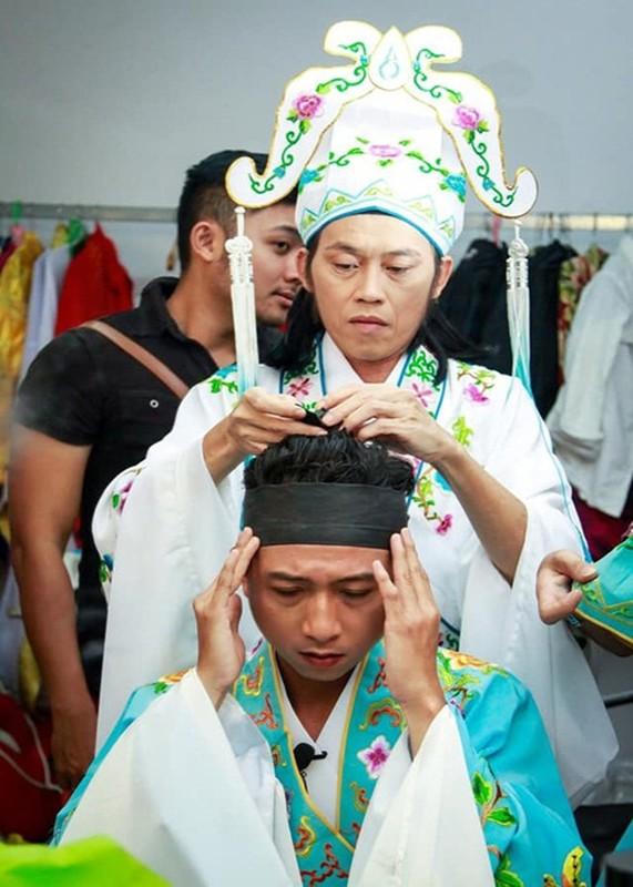 Loat sao Viet benh vuc Hoai Linh giua lum xum voi ba Phuong Hang-Hinh-7