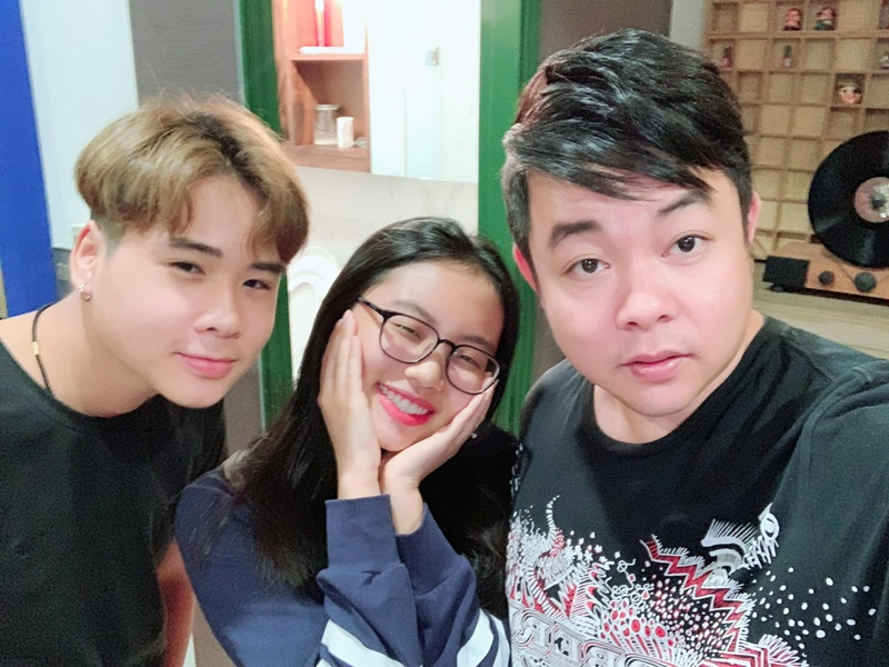 Quang Le khoe anh than thiet ben con nuoi Phuong My Chi-Hinh-2