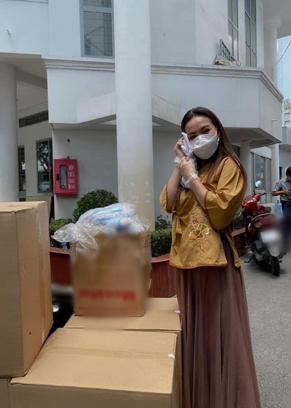 Bi che lam mau khi di tu thien giua on ao, Phi Nhung dap tra-Hinh-5