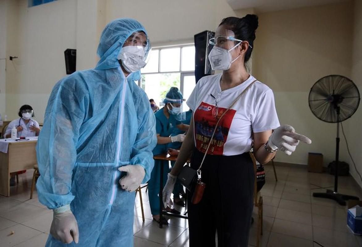 A hau Hoang My, Dai Nghia tham gia ho tro tiem vac xin COVID-19-Hinh-4