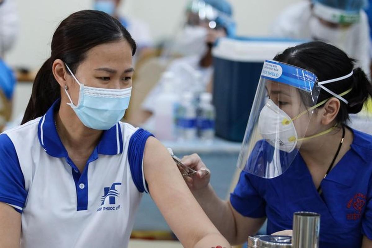 A hau Hoang My, Dai Nghia tham gia ho tro tiem vac xin COVID-19-Hinh-5