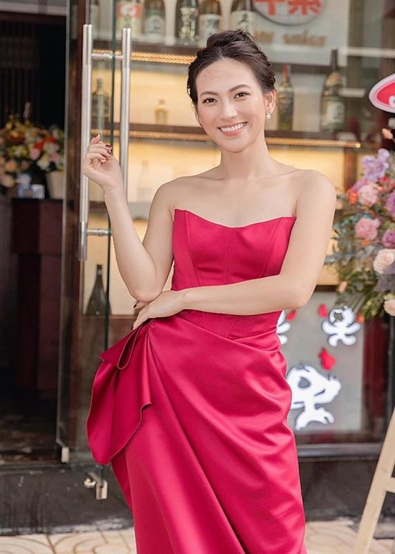 Cuoc song cua dien vien Phuong Anh Dao mac benh u tuyen giap-Hinh-7