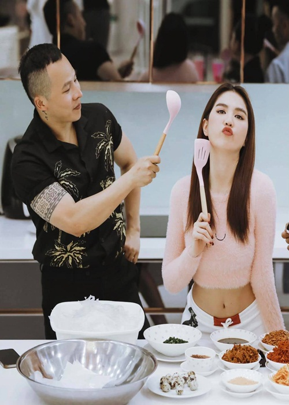 Vu Khac Tiep khoe biet thu moi nguy nga, ru Ngoc Trinh sang o-Hinh-9