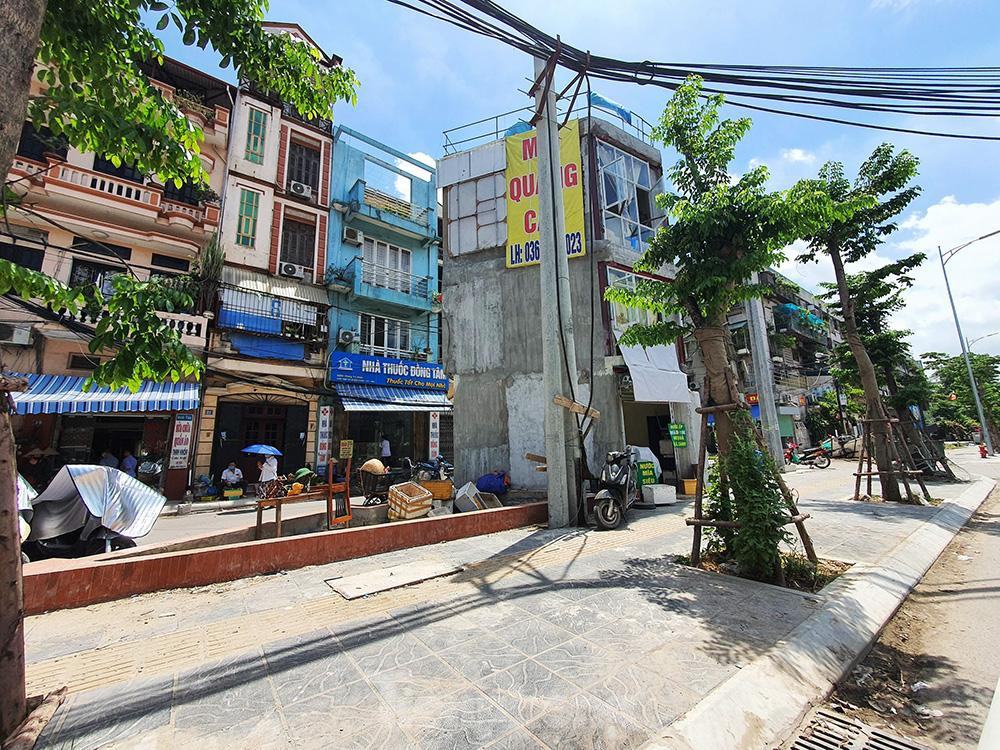 Can canh hang loat 'lo cot ky di' om tron via he Ha Noi-Hinh-13