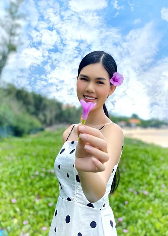 Nhan sac xinh dep cua nguoi mau Ngoc Trinh vua xuong toc-Hinh-7