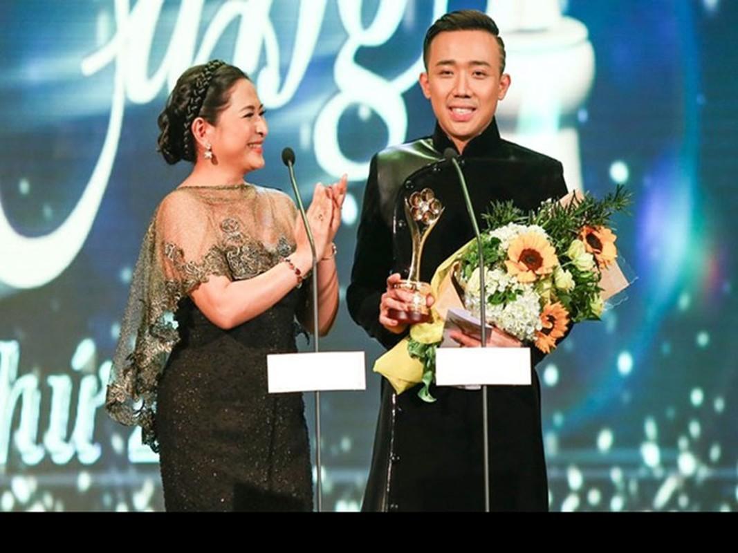 """Tung xin Quyen Linh """"bi kip"""", Tran Thanh vuon len MC so 1 the nao?-Hinh-6"""